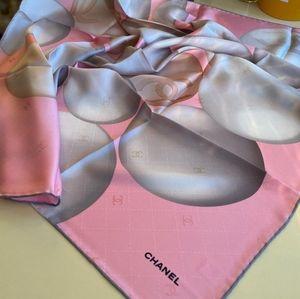 Chanel pearl scarf silk size 90×90
